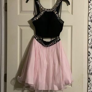 Prom dress / homecoming dress
